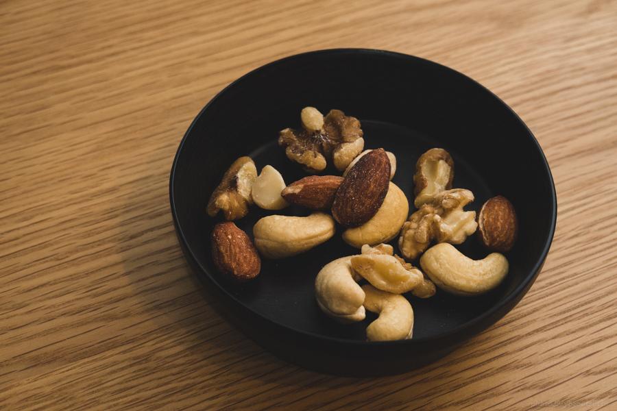 朝食をナッツ、間食にナッツ
